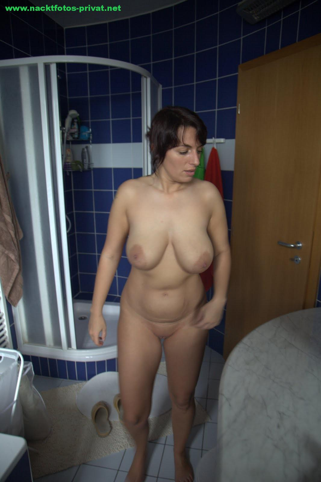 Dicke Titten Freundin Im Bad
