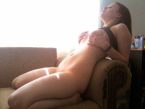 Freundin Nackt Im Sonnenlicht