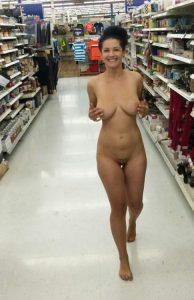 Nackt Im Supermarkt