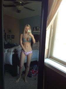 Unterwaesche Teen Sexy Selfie