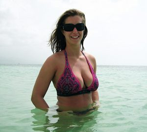 Dicke Titten Bikini Am Strand 2